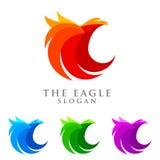 Eagle-Logo emplate, Falke, Falkevektor-Logodesign Stockfotografie