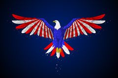Eagle met Amerikaanse Vlag Royalty-vrije Stock Foto's