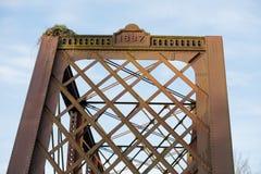 Eagle Nest auf Brücke in Oregon Lizenzfreie Stockfotos