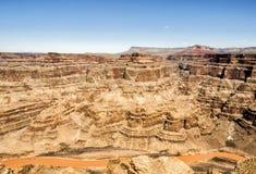 Eagle Point, borde del oeste de Grand Canyon - día de verano, cielo azul - Arizona, AZ imagen de archivo