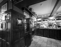 Eagle Pub i Cambridge i svartvitt arkivfoto