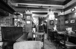 Eagle Pub i Cambridge i svartvitt arkivfoton