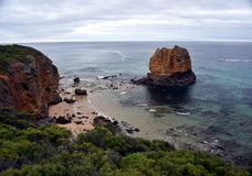 Eagle Rock all'entrata di Aireys sulla grande strada dell'oceano Fotografia Stock