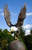 Eagle Sculpture calvo americano imagem de stock