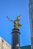 Eagle Statue alla città universitaria dell'istituto universitario di Boston Fotografie Stock Libere da Diritti