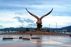 Eagle Statue bei Eagle Square Langkawi Lizenzfreies Stockfoto
