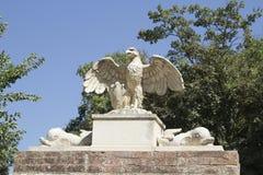 Eagle Statue Bolgheri, Tuscany, Italien Royaltyfri Fotografi