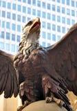 Eagle Statue sur la façade du terminal New York de Grand Central Images libres de droits