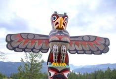 Eagle totemu słup przy szczytem Malahat góra w Vancouver wyspie obrazy stock