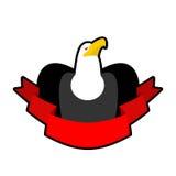 Eagle und Band Rotes Band und Kopf des Weißkopfseeadlers falke zeichen Lizenzfreies Stockfoto