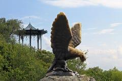 Eagle und die chinesische Laube Pyatigorsk-Embleme Nord-Caucas Lizenzfreies Stockbild