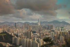 从Eagle& x27的香港地平线九龙; s巢 免版税库存图片