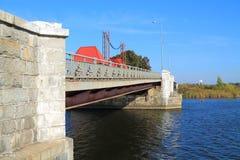 Eagle-Zugbrücke über dem Fluss Deima Lizenzfreie Stockfotografie