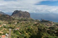 Eagles-Felsen und Porto DA Cruz auf der Nordküste von Madeira Lizenzfreies Stockfoto