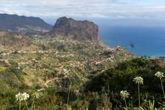 Eagles-Felsen und Porto DA Cruz auf der Nordküste von Madeira Stockfotografie
