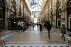 Eamanuele II för Milan milano galleriavittorio Arkivbild