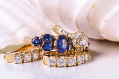 Earings и кольцо диаманта с раковиной Стоковое Изображение