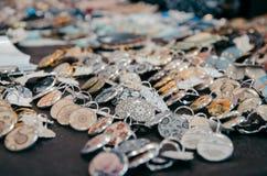 Earings fatti a mano messi sul mercato Fotografia Stock