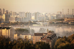 Early foggy morning over the city Royalty Free Stock Photography