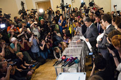 Early presidential elections in Ukraine. Petro Poroshenko vote a Stock Image