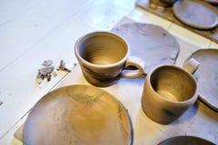 earthenware Produits en céramique d'argile cru Tasse, cuvette, plat, c photographie stock libre de droits
