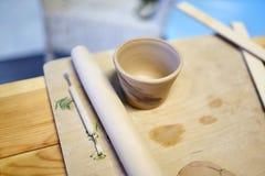 earthenware Produits en céramique d'argile cru Tasse, pile image stock
