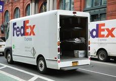 Earthsmart联邦快递公司零放射所有电子卡车在更低的曼哈顿 免版税库存图片