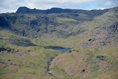 Easedale Tarn από το βράχο τιμονιών, περιοχή λιμνών στοκ εικόνες με δικαίωμα ελεύθερης χρήσης