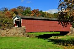 East Earl Township, PA: Weaverland Road Covered Bridge Stock Image