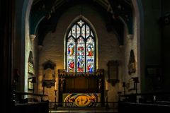 EAST GRINSTEAD,  WEST SUSSEX/UK - AUGUST 18 :  Altar in St Swith. Un`s Church East Grinstead West Sussex on August 18, 2018 Royalty Free Stock Photo