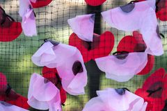 EAST GRINSTEAD, WEST SUSSEX/UK - AUGUST 18 : Artificial poppies. On the War Memorial in East Grinstead on August 18, 2018 Stock Photography