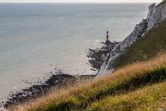 EASTBOURNE ÖSTLIG SUSSEX/UK - AUGUSTI 15: Sikt av det Beachy huvudet Lig arkivbilder