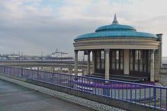 Eastbourne-Bandstand und Pier Lizenzfreies Stockfoto