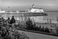 EASTBOURNE, HET OOSTEN SUSSEX/UK - 15 FEBRUARI: Mening van Eastbourne Pi Stock Fotografie