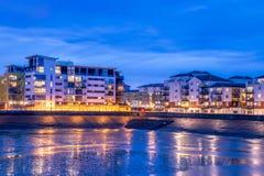 Eastbourne, souveräner Hafen bis zum Nacht Lizenzfreie Stockfotos