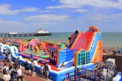 Eastbourne strandmunterheter England Royaltyfri Bild
