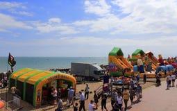 Eastbourne strandmunterheter England Royaltyfri Foto