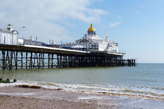 EASTBOURNE. SUSSEX/UK - FEBRUARY 19 : View of the Pier in Eastbo Royalty Free Stock Images
