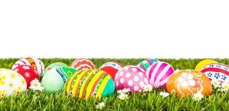 easter ägg blommar ny gräsgreen arkivfoton