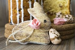 Easter bunny, sugar roses and sugar quail eggs Royalty Free Stock Photography