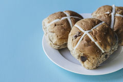 Easter buns on a plate Royalty Free Stock Images