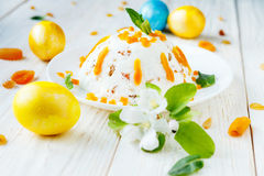 Easter cake and colored eggs Stock Photos