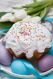 Easter cake and colorful eggs Stock Photography