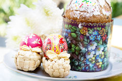 Easter cake with colorful eggs and flowers Royalty Free Stock Photography