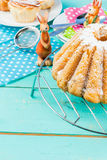 Easter cakes and bunnies Royalty Free Stock Photography