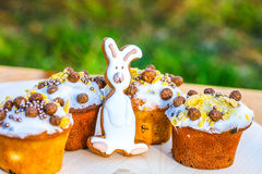 Easter cakes and gingerbread bunny royalty free stock photography