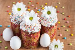 Easter cakes and white eggs Royalty Free Stock Photos