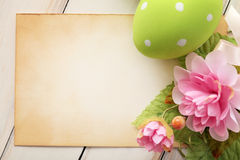 Easter card. Easter greeting card with eggs and spring flowers. frame background, copy space Royalty Free Stock Images