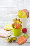 Easter cookies and eggs Stock Photography