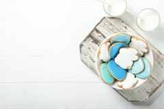 Free Easter Cookies In A Plate On A Concrete Background. Easter Bunnies. Royalty Free Stock Photo - 173255945